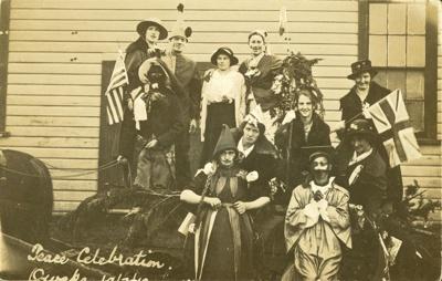 Photograph [Peace Celebrations, 1919]; [?]; 1919; CT82.1298l