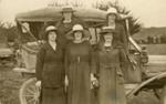 Photograph [Five women, 1925]; [?]; 1925; CT79.1069a