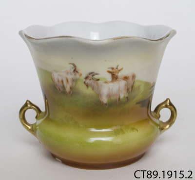 Vase; Royal Bayreuth; 1902-1915; CT89.1915.2