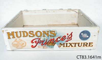 Box, snuff[?]; [?]; [?]; CT83.1641m