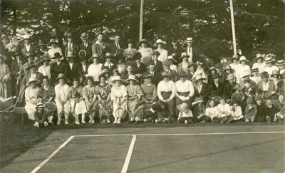Photograph [Owaka Tennis Club]; [?]; 1922; CT95.2068.1
