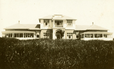 Photograph [Owaka Hospital]; [?]; 20th century; CT83.1478j