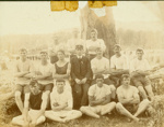 Photograph [Sports team, Houipapa]; [?]; [?]; CT79.1020f