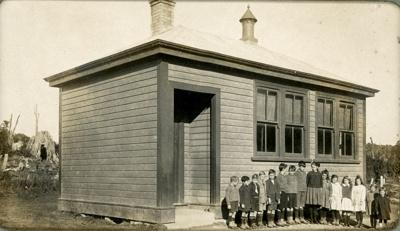 Photograph [Puketiro School]; [?]; 1921; CT78.384