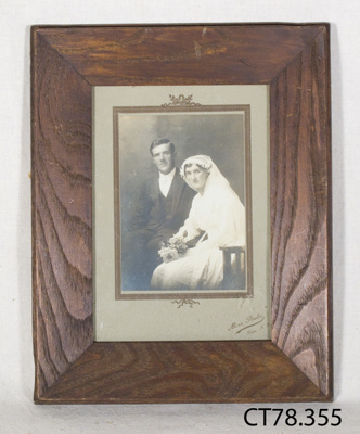 Photograph [Nellie and Fred Aitken]; Mora Studio; Early 20th century?; CT78.355
