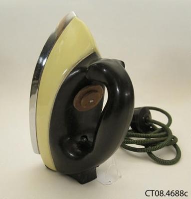 Iron; HMV; c1940s; CT08.4688c