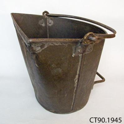 Bucket, coal; J Anderson & Co Ltd; CT90.1945