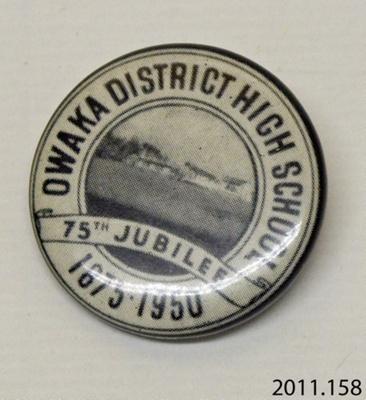 Badge, commemorative; [?]; c1950; 2011.158