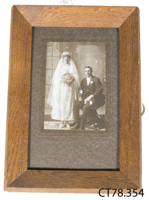Photograph [Wedding of Mr and Mrs Stan Edwards]; [?]; Early 20th century; CT78.354