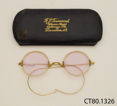 Spectacles and case; Townsend, F J; [?]; CT80.1326a
