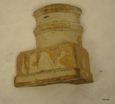 Architectural element; part of Manuka [?]; 2013.30