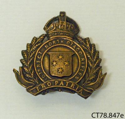 Badge, military; [?]; 20th century; CT78.847e