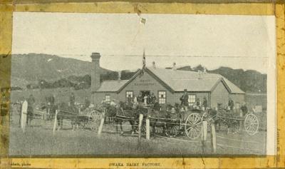 Photograph [Owaka Dairy Factory]; Labatt, E A (Mrs); 29.01.1902; CT85.1713b