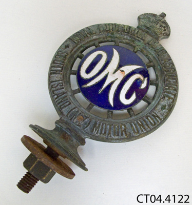 Badge, motor car; CT04.4122