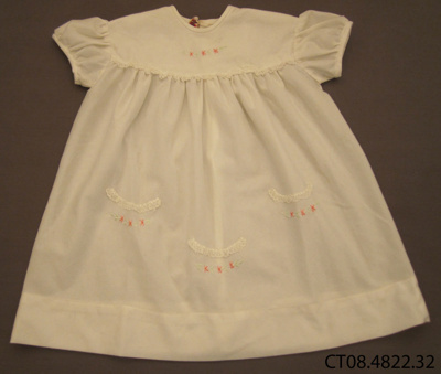 Dress, girl's; [?]; 1950s; CT08.4822.32