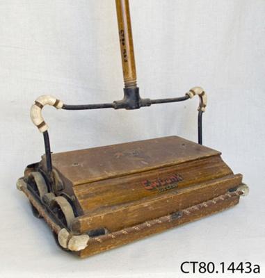 Sweeper, carpet; Ewbank Products Ltd; [?]; CT80.1443a