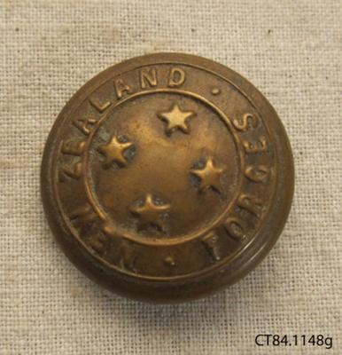 Button [New Zealand Forces]; J R Gaunt & Son; past 1911; CT84.1148g
