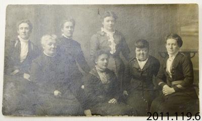 Photograph [Seven women]; [?]; c1900 ?; 2011.119.6