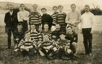 Photograph [Football Team]; [?]; [?]; 2010.745