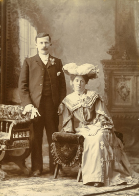 Photograph [Mr and Mrs Wright]; [?]; 19th century; CT78.629