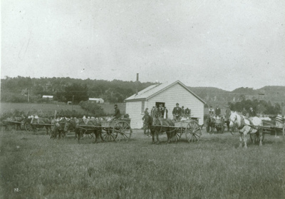 Photograph [Owaka Valley skimming factory]; [?]; 23.10.1903; CT91.1005b