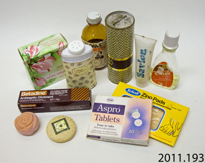 Containers, medication and cosmetics; 2011.193