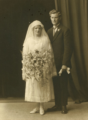 Photograph [Mr and Mrs Dave Wright]; [?]; early 20th century; CT85.1701b