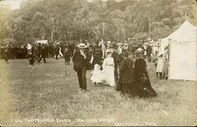 Photograph [Port Molyneux Sports, 1909]; Randall, George T; 1909; CT79.1291f