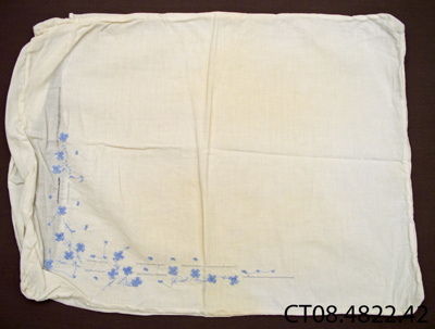 Pillowcase; Jones, Dawn (Mrs); 20th century; CT08.4822.42