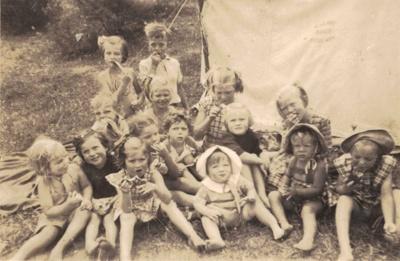 Worsfold Children and Friends.; 18-229