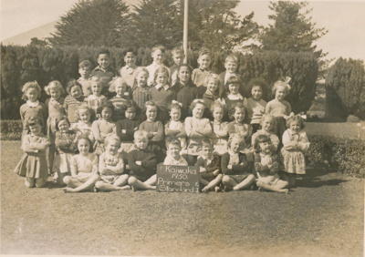 Kaiwaka Primary School 1950; 18-166
