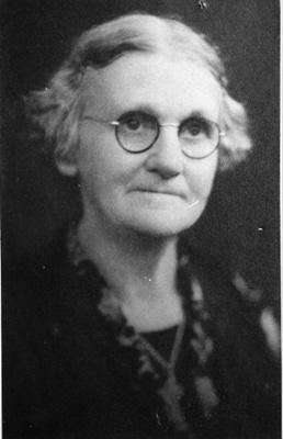 Helen Hogan ; 16-113