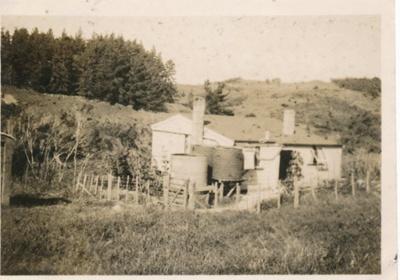Rashleigh Family Home, Kaiwaka.; 18-220