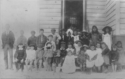Mangawai Beach School 1905.; 16-76