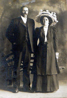 Mr Alfred & Mrs Dora Wharfe; 15-54
