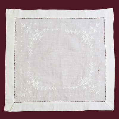 Table Cloth; 15-72