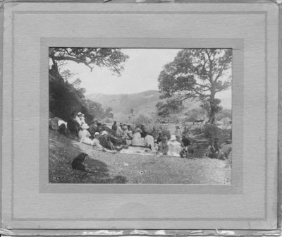 Molesworth School Picnic.; 16-90