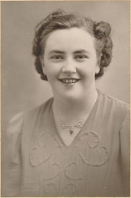 Gwen Jackson (nee Wintle); 16-210