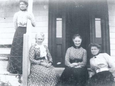 Wharfe Family.; 16-305