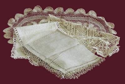 Table Runners x 4; 17-231