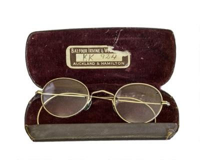 Eye Glasses & Case; 16-79