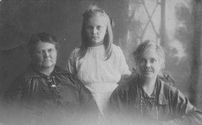 Moir Family; 17-26