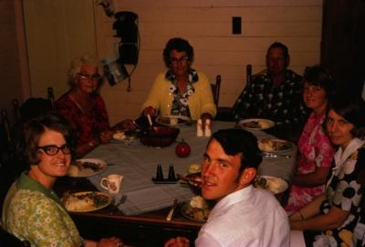 Family Christmas; 18-169