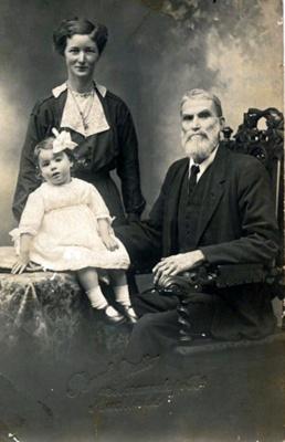 Moir family; 16-116