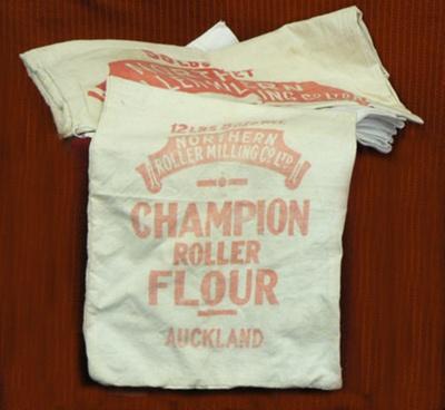 Flour Sacks X 11; 644