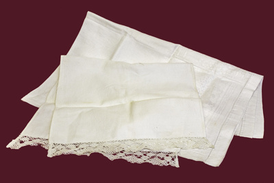 Tray Cloth; 17-129