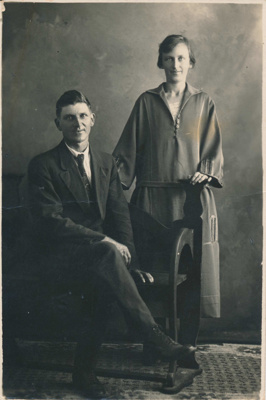 William and Violet Moir.; 17-13