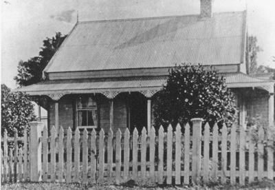 Brown's House, Tara.; 16-8