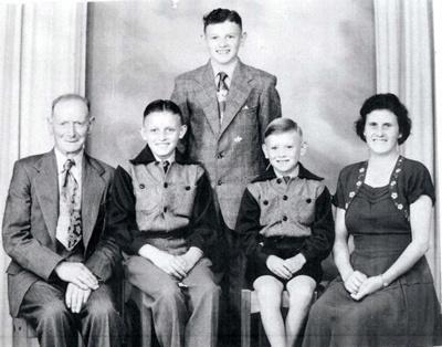 Wharfe Family.; 16-306
