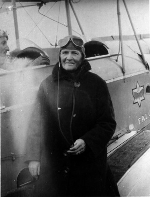 Jessie Wood ready for flight.; 16-249